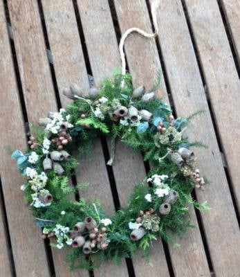 Wreath with blue